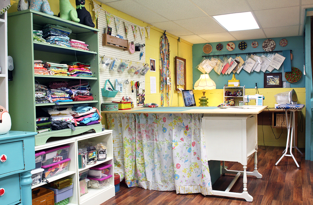 A Peek Into A Dream Sewing Space From Gingercake Seams And Scissors Delectable Corner Sewing Machine Table