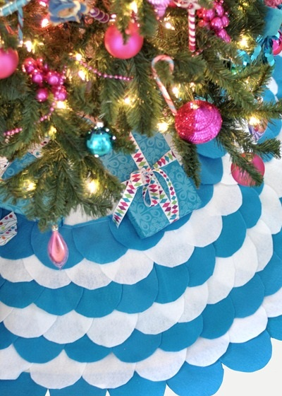 Scalloped DIY Tree Skirt