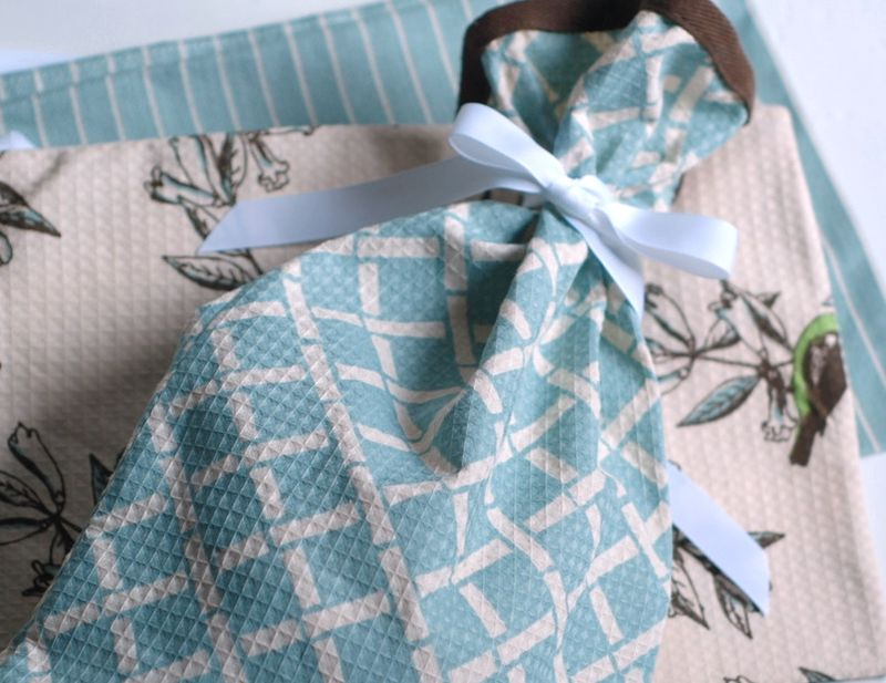 Kitchen Classics: 15 Easy Sewing Projects - Seams And Scissors