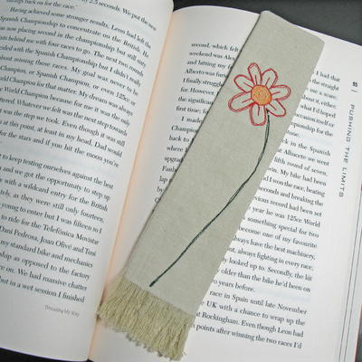 DIY Fabric Bookmark