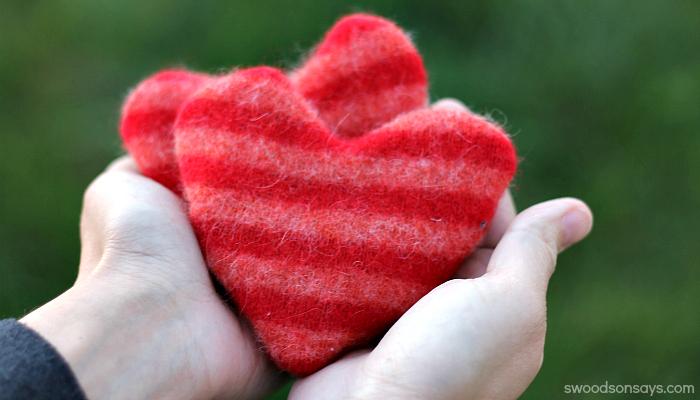 DIY Heart Handwarmers