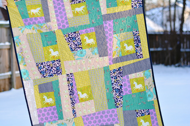 Wonky Log Cabin Quilt Pattern Seams And Scissors