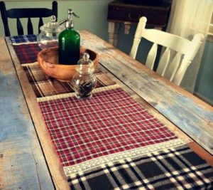 Fall-Flannel-Table-Runner